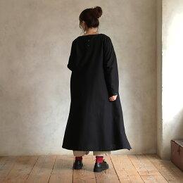 この黒ワンピは、冬限定。冬ならではのまっ黒ワンピースM/L/LL/3L/4Lサイズレディース/長袖/コットンリネン/綿麻/フレア/シンプル/ロング/マキシ