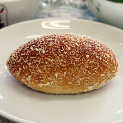 【焼きカレーパン】生地は薄め、程よい辛さのノンフライカレーパン。おいしさとヘルシーさがウリです(1個約60g)