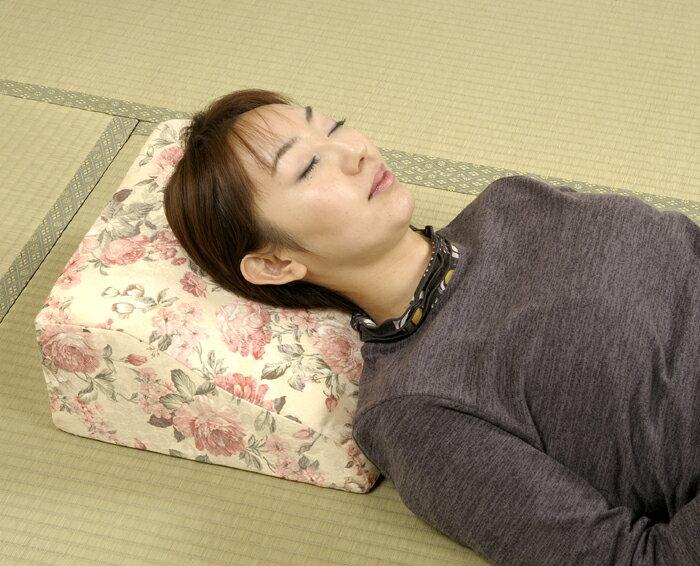 【送料無料】ジャガード織調低反発ミニテレビまくら テレビ ゴロ寝 見ながら 枕 マクラ まくら