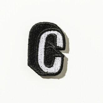 供DRESSCAMP(禮服露營)特別定做使用的徽章和平拉丁字母C(黑色×白)