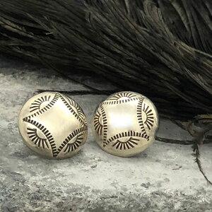Stamped Concho Silver Pierced Earrings(スタンプコンチョ シルバーピアス) indian jewelryイヤリングスタッドピアスネイティブアメリカンアンティークアクセサリーコンチョボタンスタンプワーク銀ユ