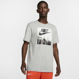● NIKE (ナイキ) メンズスポーツウェア 半袖シャツ ナイキ NIKE AIR フォト Tシャツ メンズ ダークグレーヘザー CK4281-063