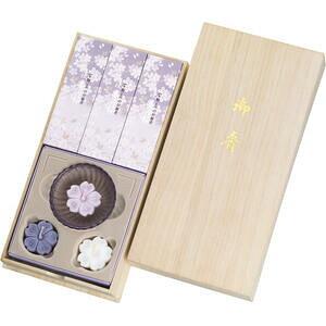 【メーカー在庫限り】21-0503-017 宇野千代のお線香 淡墨の桜・浮きローソクセット(桐箱入)