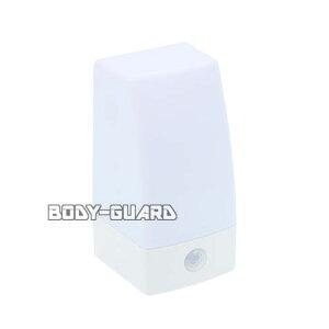 LEDセンサーライト 置き型 NIT-BLA6JS-WN 防雨 明暗センサー 人感センサー 単4電池 省エネ 自動 点灯 配線不要 LED 防水 IPX4 防まつ形 ライト キャンプ アウトドア 階段 トイレ 屋外 室内 屋内 防災