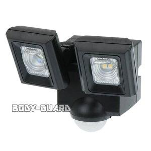 屋外用LEDセンサーライト 乾電池式 ESL-N112DC 防水 防塵 電池式 配線不要 工事不要 自動点灯 自動消灯 防犯 照明 電気 玄関ライト スポットライト LED LEDライト 外 作業用 赤外線 センサー式