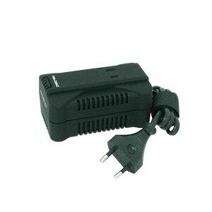 110V~130Vまたは220V~240Vの電圧を100Vに変圧する、海外旅行用変圧器です。入力プラグ形状はCタイプで、Aタイプ変換プラグが付属しています。 製造国:中国