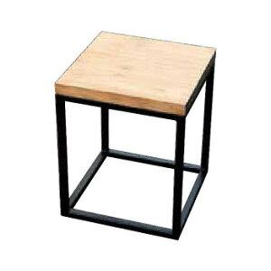 シンプルなアイアン製ウッドキューブチェアです。 生産国:インドネシア 素材・材質:チーク、アイアン 商品サイズ:W350×H430×D350mm 重量:6.0kg 仕様:色/木:無塗装・鉄:黒