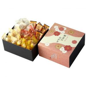 国産もち米を使用しています。お野菜が入ったあられを便利な個包装にしてバラエティ豊かに詰合せました。 生産国:日本 賞味期間:210日