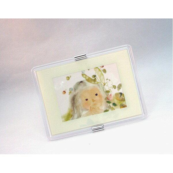 絵画 関連商品 透明フォトフレーム/写真立て 【ハガキサイズ 150×105mm対応】 いわさきちひろ 「五粒のエンドウ豆」 スタンド付き 壁掛け可