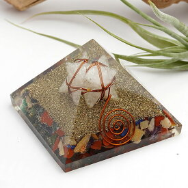 オルゴナイト ピラミッド(ヒマラヤ水晶のマルカバスター入り) マカバスター マカバ