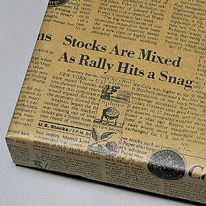 包装紙 ボビー 半裁 100枚未晒クラフト紙に洋風デザインでおしゃれなラッピングに。父の日のギフトラッピングにおすすめの包装紙です。包装紙 おしゃれ ラッピング クラフト 英字