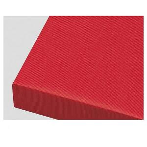 包装紙筋入クラフト 全判 レッド 100枚表面に筋目が入った筋入り原紙に着色した、独特な風合いが特徴の商品です。紙ひもやリボンなどと組み合わせれば、味のあるギフトのできあがり!包