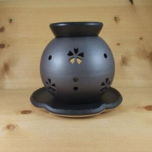 【送料無料】茶香炉 常滑焼 盛正 茶香炉 (桜) 黒 さくら サクラ ブラックろうそく付き ちゃこうろ アロマ ローソク 消臭 和風 とこなめやき 国産 ル35-14 バレンタイン ホワイトデー御祝 御