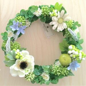 無料 ラッピング  送料無料 直径 22cm グリーン ユーカリ ホワイト アネモネ ベリー デイジー リース M アップル りんご ブルースター マーガレット 緑 白 造花 アーティフィシャルフラワー
