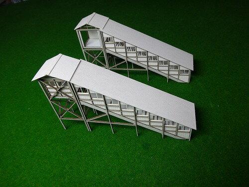 【Nゲージ】地方によくある跨線橋 TOMIXホーム対応 タイプA(廃レールタイプ) 階段部分 斜め窓、踊場無し タイプA T−S2