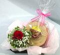 花とスイーツ・長崎バウムクーヘン・赤バラのアレンジ