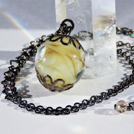 ネックレス とんぼ玉 ガラス 工芸 ビーズ シンプル プレゼント 茶色