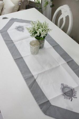 フランスから届くフレンチリネン(ホワイト×グレーフレームリボン)【BlancdeParis】テーブルセンターモノグラム刺繍シャビーシックアンティーク風フレンチカントリーフランス
