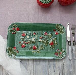 アンティークな輸入食器レクトプレート長方形皿(ストロベリー・イチゴモチーフ)ボルダロ・ピニェイロポルトガル製おしゃれシャビーシックアンティーク風洋食器