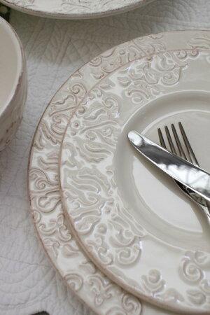 ダマスク柄アンティークな輸入食器ディナープレートディナー皿(オフホワイト・グレージュ)ポルトガル製おしゃれシャビーシックアンティーク風洋食器