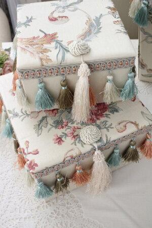 エレガントな刺繍布張りシリーズ(プチトリアノン・ボックス2個セット)収納ボックス小物入れフレンチカントリーアンティーク雑貨輸入雑貨antiqueshabbychic