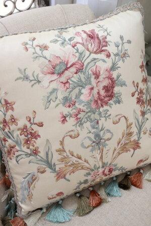 エレガントな刺繍布張りシリーズ(プチトリアノン・クッション)45cm角・中綿付きフレンチカントリーアンティーク雑貨輸入雑貨antiqueshabbychic