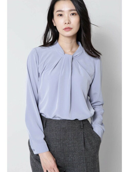p75001 07 1 - SUITSスーツ新木優子のブラウス・ニット・バッグのブランドや値段は?