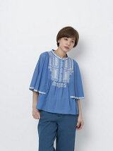 HEART EMBROIDERY TOP
