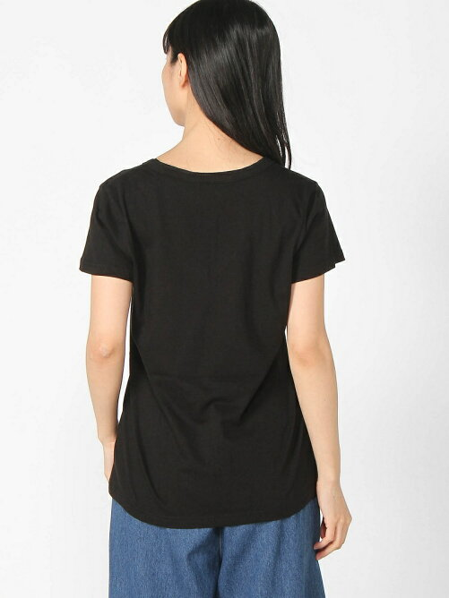 Shelly island/POKET V NECK TEE