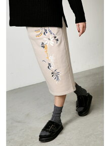 刺繍スウェットセットアップスカート