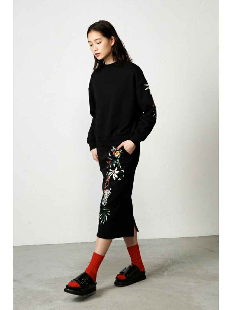 【SALE/50%OFF】AZUL by moussy 《3/31 12時までWEB限定価格》刺繍スウェットセットアップスカート アズールバイマウジー スカート【RBA_S】【RBA_E】