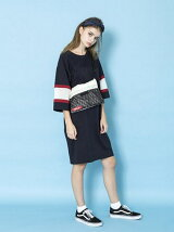 LINE SLEEVE DRESS