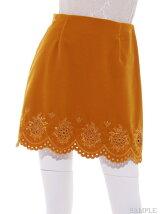 ベロア刺繍台形スカート