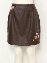 【sw】 フェイクレザ-刺繍台形スカート