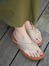 (W)RITZY TOE-THONG SANDALS
