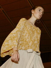crepe flower printgathered blouse