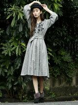 衿ぐりスカラップ刺繍10分袖ワンピース