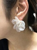 【Narcissus】ホワイトフラワーピアス