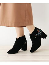 刺繍入りスエード調ショートブーツ