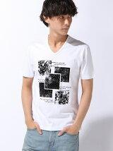 モノトーンプリントVネックTシャツ