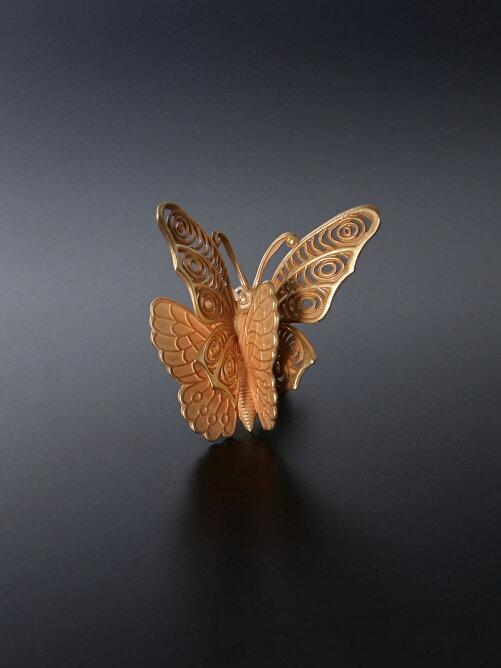 蝶イヤリング