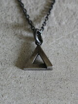 ANIKULAPO×rehacer Triangle necklace