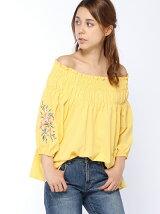 袖刺繍シャーリングオフショルブラウス