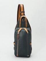 (M)オティアス/シュリンクレザーオイル仕上げタテ型ボディバッグ