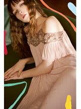 コード刺繍プリーツドレス