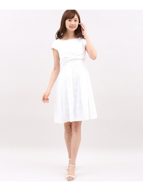 《Maglie White》フラワーカットジャガードワンピース