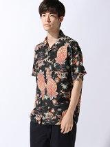 パイナップル柄アロハシャツ