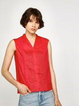 SLEEVELESS TUCK BLOUSE