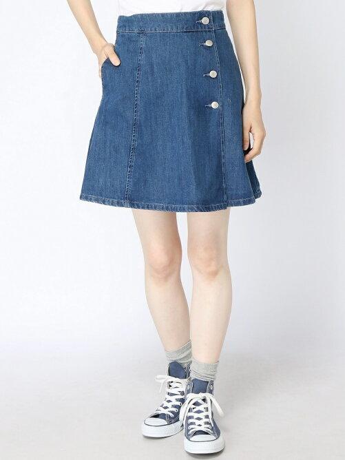 サイドボタンデニム台形スカート