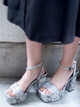 VOLUME SQUARE SANDAL